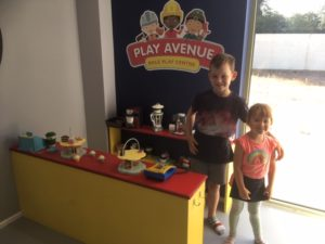 play avenue cafe